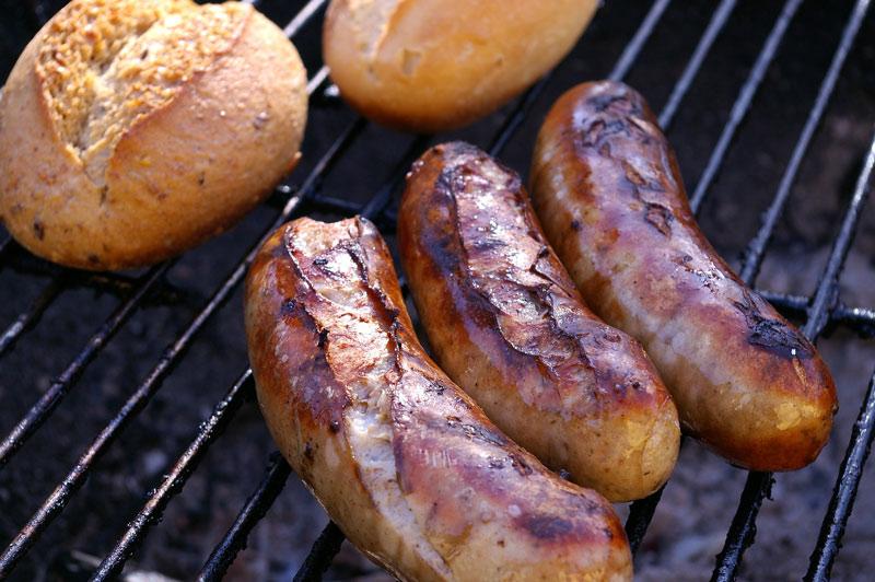 Outdoorküche Mit Gasgrill Reinigen : Rost am grill entfernen: diese tipps helfen wirklich grillen
