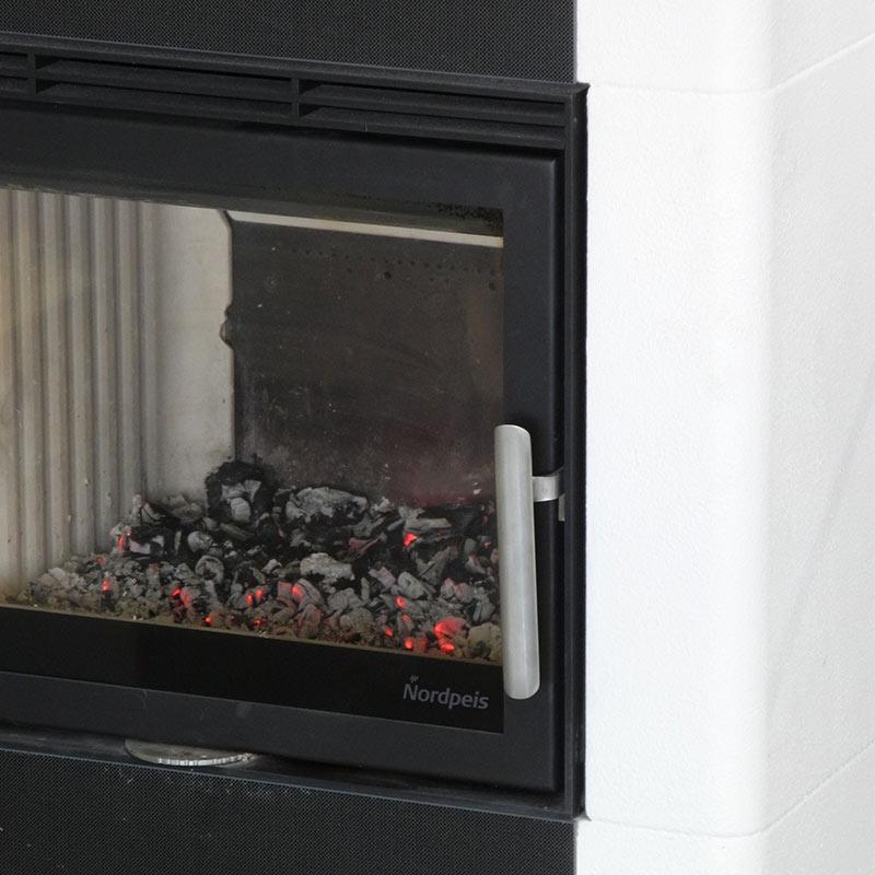 warum hat ein moderner kaminofen keinen aschekasten mehr kamin wissen infothek. Black Bedroom Furniture Sets. Home Design Ideas